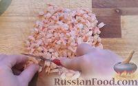 Фото приготовления рецепта: Салат с креветками и рисом - шаг №5