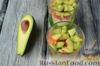 Фото приготовления рецепта: Салат с языком, авокадо и тапенадом - шаг №8