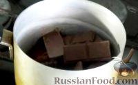 Фото приготовления рецепта: Шоколадный брауни с творожной начинкой - шаг №3
