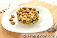 Фото к рецепту: Салат с консервированной горбушей и свежим огурцом