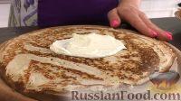 Фото приготовления рецепта: Тонкие блины с творожным кремом - шаг №9