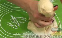 Фото приготовления рецепта: Пампушки с чесноком - шаг №6