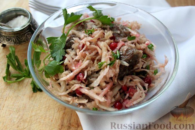 Фото к рецепту: Салат из черной редьки с говядиной