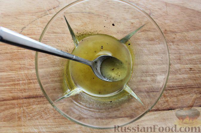 Фото приготовления рецепта: Салат из черной редьки с говядиной - шаг №6