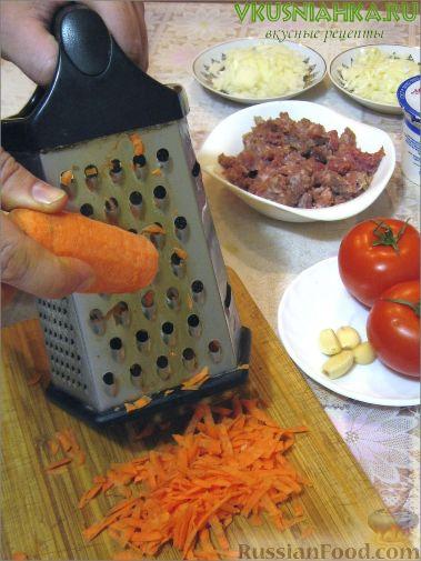 Фото приготовления рецепта: Свиные тефтели, тушенные в миндальном соусе с белым вином - шаг №19
