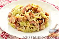 Фото к рецепту: Салат из редьки, с беконом и сухариками