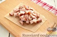 Фото приготовления рецепта: Салат из редьки, с беконом и сухариками - шаг №5