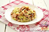Фото приготовления рецепта: Салат из редьки, с беконом и сухариками - шаг №9