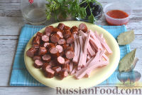 Фото приготовления рецепта: Солянка с колбасой - шаг №4