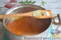 Фото приготовления рецепта: Солянка с колбасой - шаг №8
