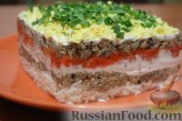 Фото к рецепту: Салат «Мимоза» с творогом (без майонеза)