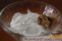 Фото приготовления рецепта: Салат с куриным филе и сельдереем - шаг №8