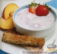 Фото к рецепту: Соус из йогурта и клубники