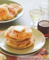 Фото к рецепту: Оладьи с беконом и сыром