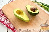 Фото приготовления рецепта: Тартинки с муссом из авокадо и печени трески - шаг №2