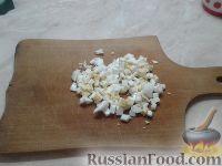 Фото приготовления рецепта: Рулет из лаваша с печеночным паштетом и соленым огурцом - шаг №2