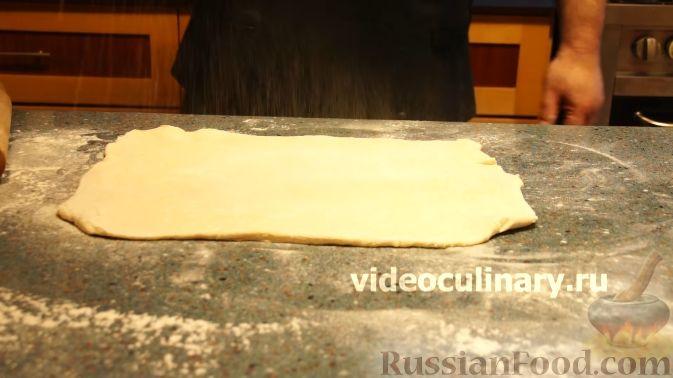 Фото приготовления рецепта: Компот из винограда с лимоном (на зиму) - шаг №11