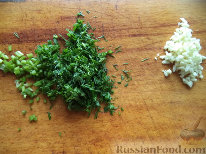 Фото приготовления рецепта: Морковная запеканка с яблоками и черносливом - шаг №4
