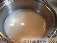 Фото приготовления рецепта: Оладьи на дрожжах - шаг №2