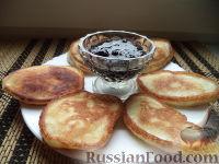 Фото приготовления рецепта: Оладьи на дрожжах - шаг №10
