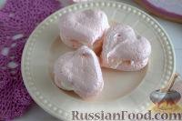 Фото к рецепту: Меренги-сердечки с мороженым