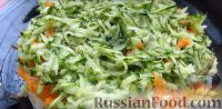 Фото приготовления рецепта: Весенний салат из овощей, зелени, яиц и сыра - шаг №3