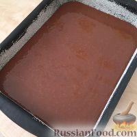 Фото приготовления рецепта: Шоколадные пирожные с заварным кремом - шаг №3