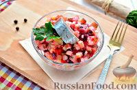 Фото к рецепту: Винегрет с сельдью и яблоками