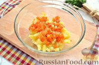 Фото приготовления рецепта: Винегрет с сельдью и яблоками - шаг №3