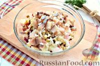 Фото приготовления рецепта: Винегрет с сельдью и яблоками - шаг №8