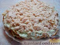 Фото приготовления рецепта: Закусочный торт с курицей и творогом - шаг №12