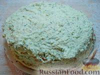 Фото приготовления рецепта: Закусочный торт с курицей и творогом - шаг №13