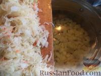 Фото приготовления рецепта: Щи из квашеной капусты - шаг №5