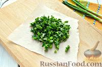 Фото приготовления рецепта: Салат из печени трески и яиц - шаг №4