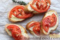 Фото приготовления рецепта: Горячие бутерброды с сыром и помидорами - шаг №8
