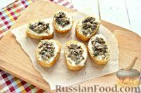 Фото приготовления рецепта: Бутерброды с перепелиными яйцами - шаг №4