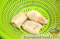 Фото приготовления рецепта: Кальмары, фаршированные творогом и креветками - шаг №7