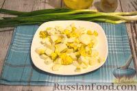 Фото приготовления рецепта: Салат с креветками и сыром фета - шаг №4