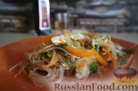 Фото к рецепту: Фунчоза с куриным филе и овощами