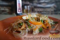 Фото приготовления рецепта: Фунчоза с куриным филе и овощами - шаг №15