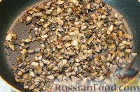 Фото приготовления рецепта: Драники с грибами (постные) - шаг №2