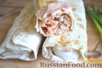 Фото приготовления рецепта: Шаурма с курицей - шаг №15