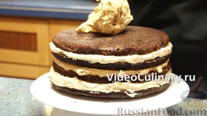 Фото приготовления рецепта: Булочки с вишнёвым вареньем, изюмом и орехами - шаг №19