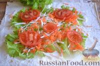 Фото приготовления рецепта: Ролл с ветчиной и сливочным сыром - шаг №7