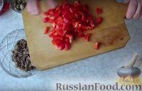 """Фото приготовления рецепта: Салат """"Строгановский"""" (без майонеза) - шаг №3"""