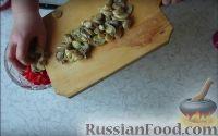"""Фото приготовления рецепта: Салат """"Строгановский"""" (без майонеза) - шаг №4"""