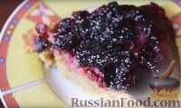 Фото к рецепту: Вишневый пирог в мультиварке