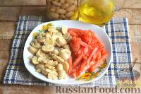 Фото приготовления рецепта: Салат с кальмарами, ветчиной и грибами - шаг №4