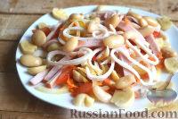 Фото приготовления рецепта: Салат с кальмарами, ветчиной и грибами - шаг №6