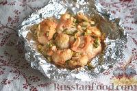 Фото приготовления рецепта: Цветная капуста, запеченная в маринаде - шаг №8